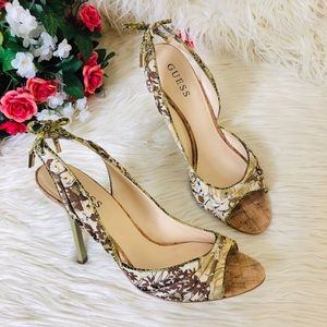 """Guess """" Elegent""""Floral Tapered Bow Heels 